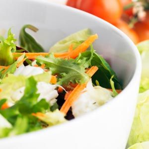 Best foods for pain relief - from Real Age (image: mediterranean salad)