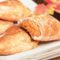 Pumpkin Cheesecake Empanadas HEBHolidayMeal sooo gna make these!