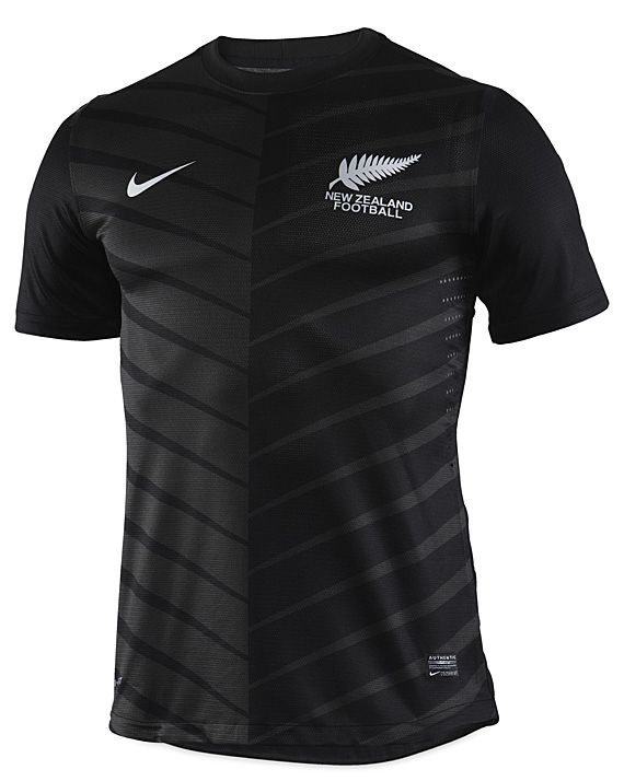 I need to go to New Zealand for two reasons, because LOTR was filmed there and this jersey is dank. Nike Soccer – New Zealand National Team – 2012/2013 Away Kit