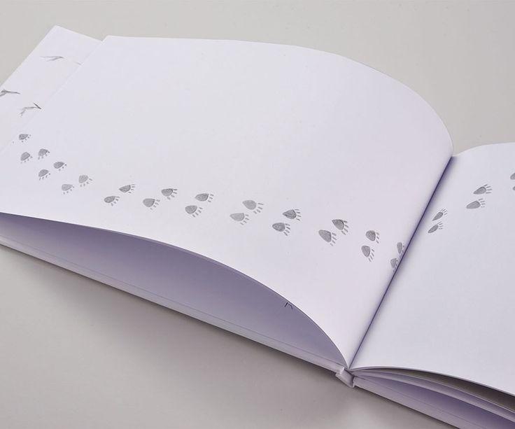 #Biancoflash #Premium #Favini Book Nella Neve / Storie Cucite www.storiecucite.it / Autrice: Luisa Carretti / Illustratrice: Barbara Lachi - Find more about #Biancoflash http://www.favini.com/gs/en/fine-papers/biancoflash/features-applications/