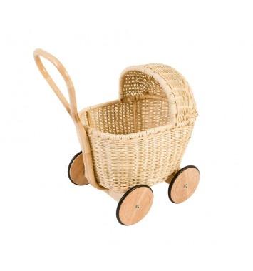 lilla ENJA - Barnmöbler och Inredning på nätet - Dockvagn i rotting från Sebra
