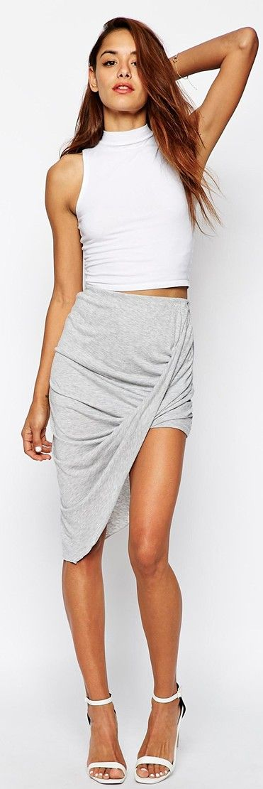 Weekend outfit - White crop top, light grey skirt & white sandals.
