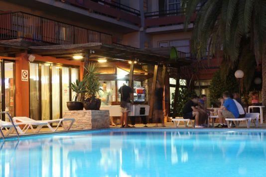 Hotel S'Anfora & Fleming http://www.azulinehotels.com/ #ibiza #hote #ibizahotels #holiday