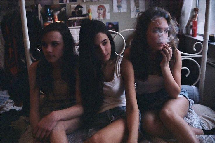 As contradições da adolescência na fotografia de Petra Collins – BLCKDMNDS