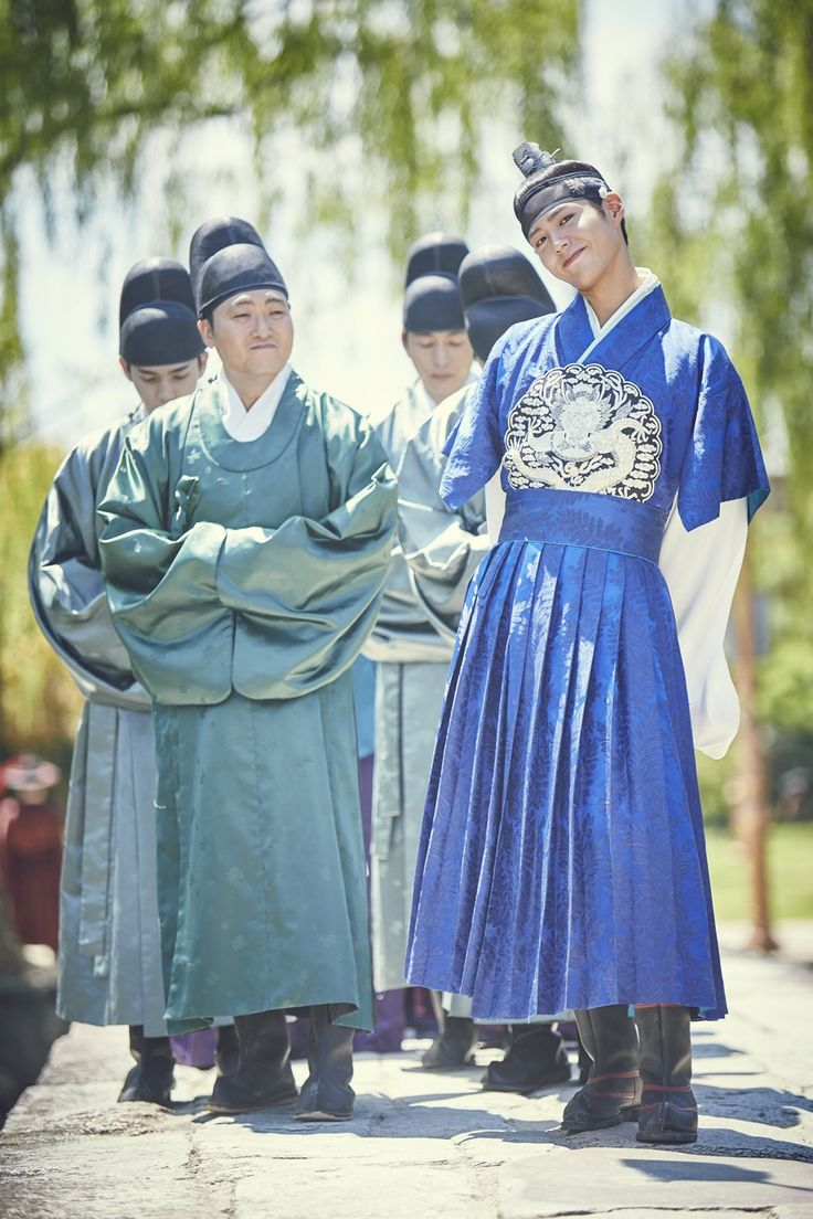"""""""park bogum in moonlight drawn by clouds ✧ behind the scenes""""1000 x 1500"""" """""""