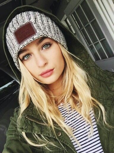 ((FC: Jacy Jordan)) Hey, I'm Leslie. I'm 17 and single. I like to party, and I'm pretty wild. I have an older brother but anyway, So yeah introduce...