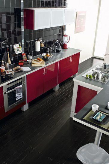 17 meilleures id es propos de lot de cuisine rouge sur - Cuisine rouge avec ilot central ...