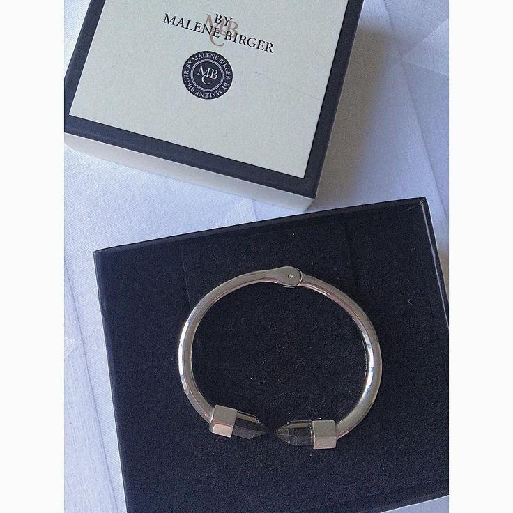 Har en sød kæreste og et lækkert nyt armbånd #takskat#bymalenebirger#bracelet#jewelry#smuktmedsmukpå#månedsdag