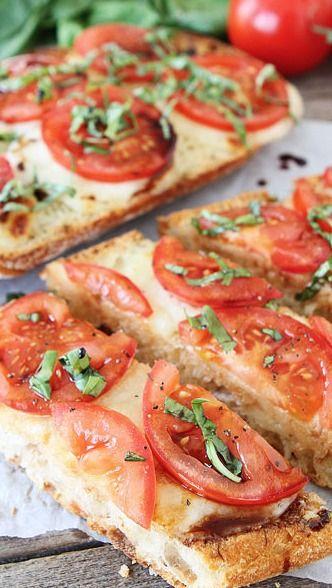 Caprese Garlic Bread...best garlic bread, ever!!