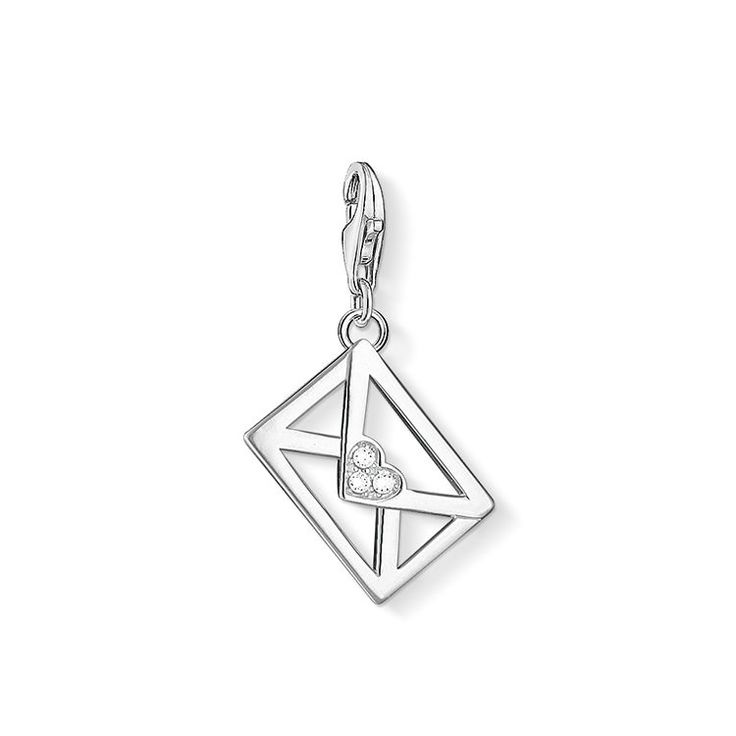Any #sweetheart would be thrilled by this declaration of #love: the little love letter Charm by #THOMASSABO.