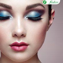 Recueda equilibrar el maquillaje de tus ojos con tus labios.