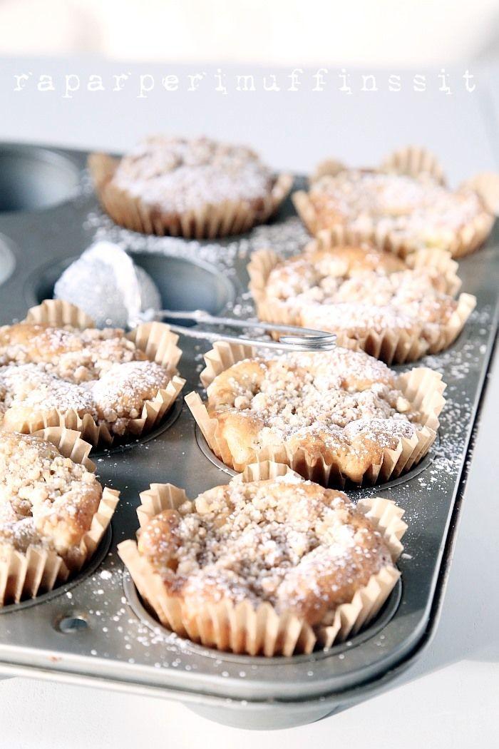 rhubarb pie muffins