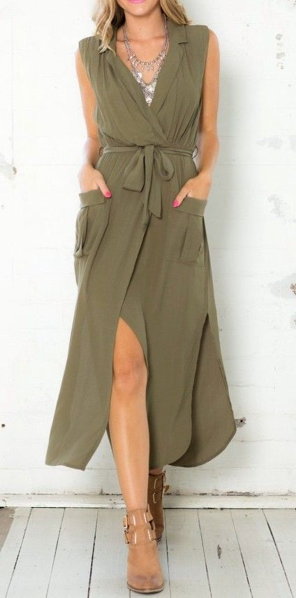 Army green sleeveless V neck split pockets dress:
