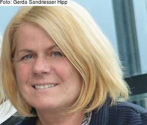 """Villach: """"Zuckerbrot und Peitsche"""" – plakatives Statement gegen Verharmlosung und Tabuisierung von Gewalt an Frauen"""