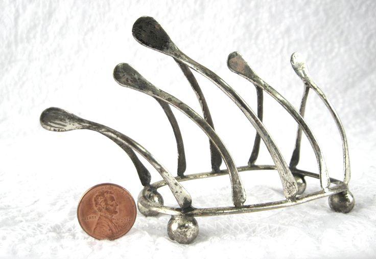 Edwardian Wishbone Toast Rack Toast Points For Pate Ball Feet England