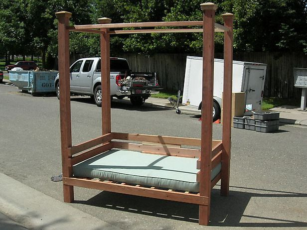 how to build a patio wall bench