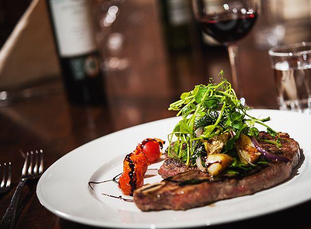 Ruokakuvaus: näin otat parempia valokuvia ruoasta, annoksista ja kattauksista - http://www.ifolor.fi/inspire_ruokakuvaus