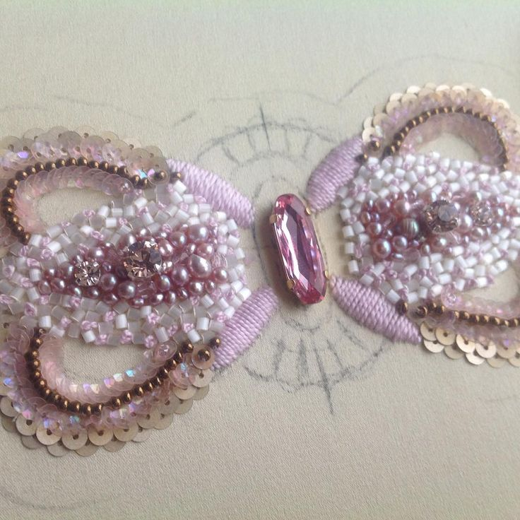 Процессы...#бисер #жемчуг #вышивка #пайетки #embroidery #fashion_embroidery
