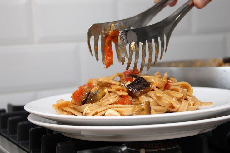 Tagliatelle melanzane & pomodorini - Ricetta