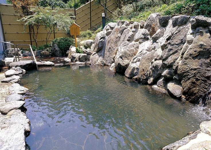 「玄海さつき温泉」は日帰りでもはいれる露天風呂です。