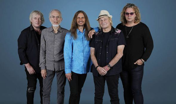 YES World Exclusive: Steve Howe reveals HUGE plans for 50th-anniversary celebrations #music #news
