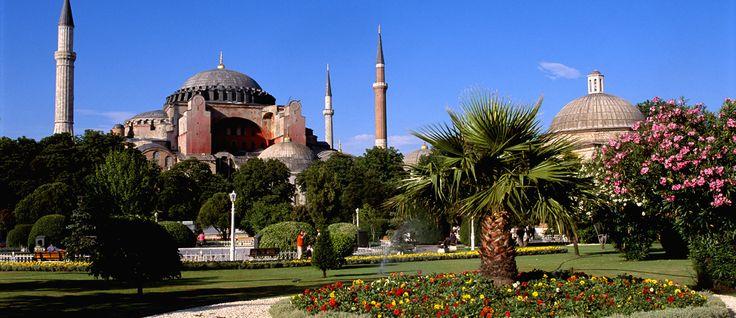 La Turquie, entre Europe et Asie, se pare de deux cultures qui en font une perle ! #Voyage  http://www.amplitudes.com/voyage-turquie/circuit-turquie/sejour-turquie/turquie.html