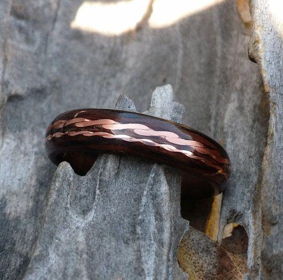 Jai personnellement handcraft chaque anneau début anneaux My cintré avec une très mince langue de bois-franc magnifique qui est cuit à la vapeur