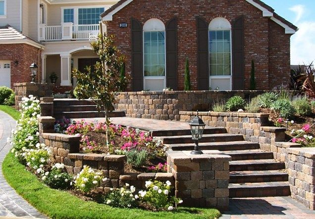 17 best images about front yards on pinterest front yard for Front yard courtyard design