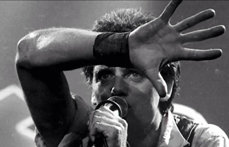 Doc Neeson - RIP you incredible man! Such an amazing performer... So sad...