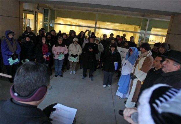 Arquidiócesis de Chicago realiza posada para pedir protección a indocumentado | USA Hispanic Press