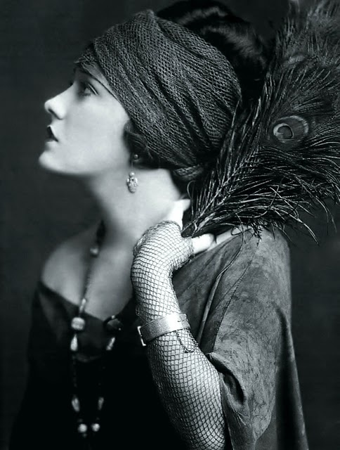 gloria swanson, those that know me well know that the 20's is a passion of mine and this is the greatest silent screen star ever in history.