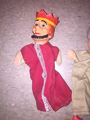 Koning poppenkastpop - Vintage Hand Puppet - FOR SALE • See Photos! Money Back Guarantee. This is a collection of 5 vintage hand puppets. I don't know much about them. I found them in a storage unit. King koning poppenkastpop König Fürst Puppe