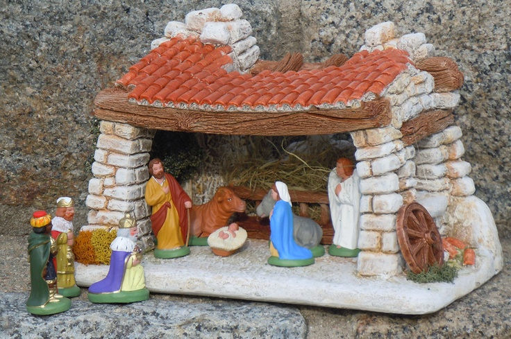 Santons de Provence- Painted santons by Provence Shop: Nativity set and stable