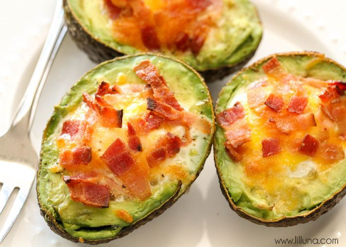 We love these Avocado Bacon and Eggs - they're so easy too! { lilluna.com }