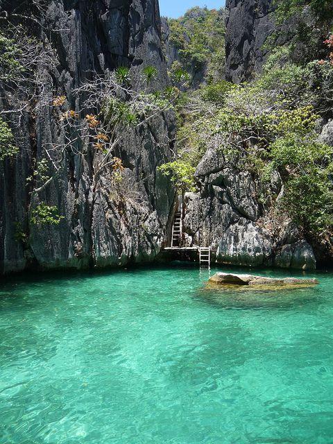 Secret Lagoon in Palawan Islands, Philippines. – Fin Fun Mermaid