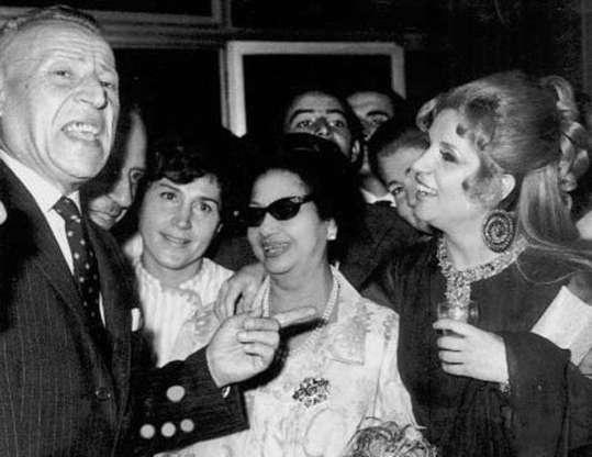 ام كلثوم بين المطربة صباح والفنان نجيب حنكش صورة نادرة  #Lebanon #Egypt #Oldies