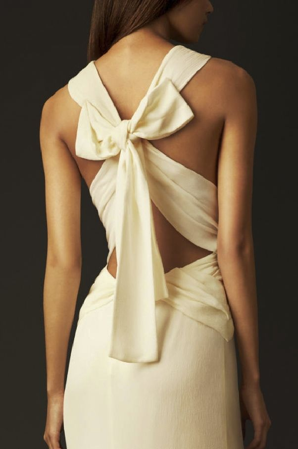 Burberry bow back silk gown 2013  Ahhhhh Burberry why must you do this to me?!big day