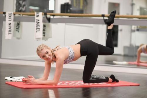 Spettacoli: #Victoria's #Secret le #foto dell'allenamento di Elsa Hosk in vista del secret show (link: http://www.tuttosulinux.com/cerca-prodotto/newsitem/317205/Spettacoli-Victoria-apos-s-Secret-le-foto-dell-apos-allenamento-di-Elsa-Hosk-in-vista-del-secret-show.html )