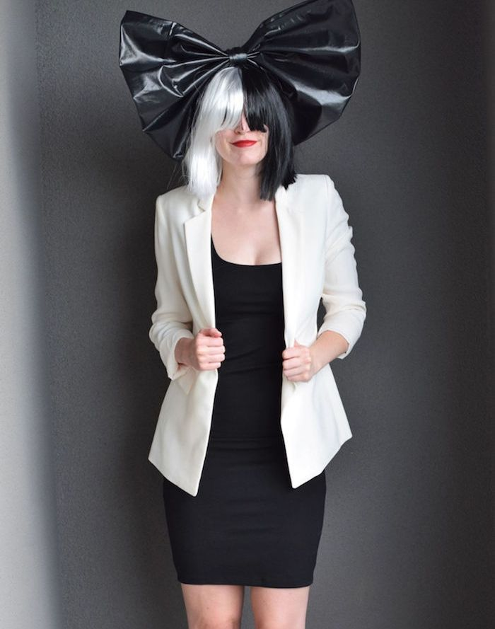 Best 25 Sia Chanteuse Ideas Only On Pinterest Sia Concert Sia Lustre Maddie Ziegler And Sia