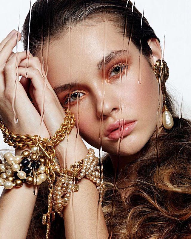 Немного волшебства от @ahov @byk.katya @mary_lovevintage  на глазах лимитированные кремовые тени от @givenchyofficial #визажистмосква #beautybloger #beautyblog #model #makeup #makeupartist