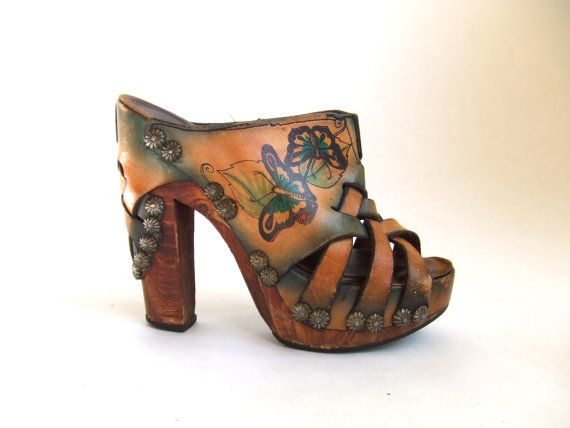 omg, vintage 1970's mules.  LOVE!!!!  too bad my feet are not so tiny.