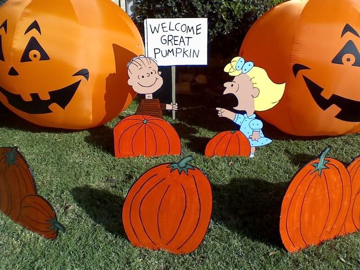 peanuts great pumpkin yard display i want to make linus with his sign pumpkin decorationsyard decorationshalloween - Great Halloween Decorations