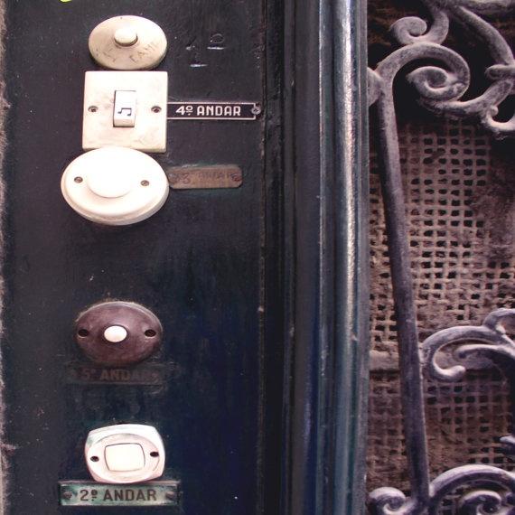 Doorbells, photo by makelifeparadise