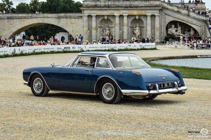 Facel Vega Facel II à Chantilly Arts et Elegance #MoteuràSouvenirs Reportage :  http://newsdanciennes.com/2016/09/05/chantilly-arts-et-elegance-2016-creme-creme/ #ClassicCar #VintageCar #Voiture #Ancienne