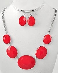 this will be great for the holidays!  And only $10.00!!!  Red bubble necklace!