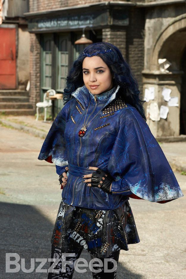"""The Evil Queen's daughter Evie 