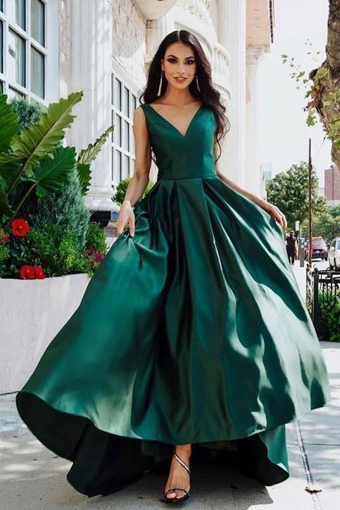 V-neckline Dark Green Prom Dresses with Satin Skirt in 2020 | Dark green prom dresses, Dresses, Green evening dress