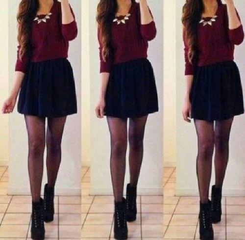 Suéter color vino con falda y medias negra❤️