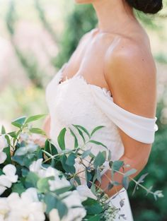 Off-the-shoulder wedding dress: www.stylemepretty… Photography: Diana McGregor…