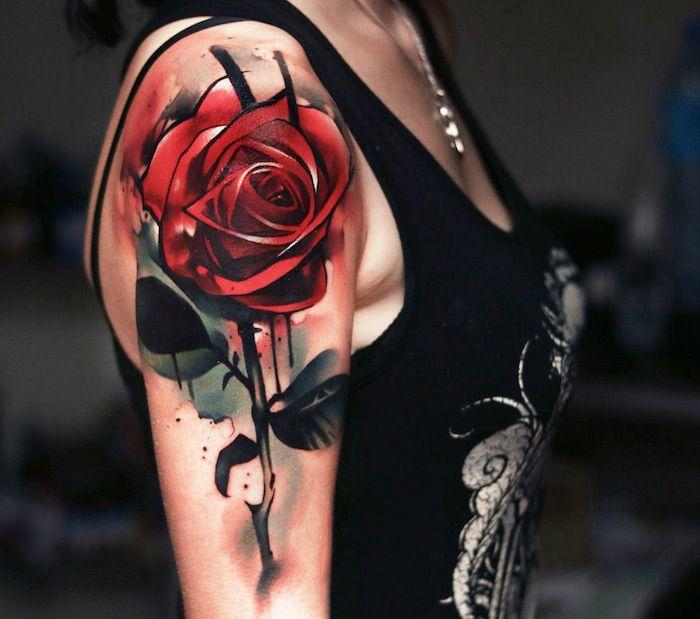 frauen tattoo oberarm